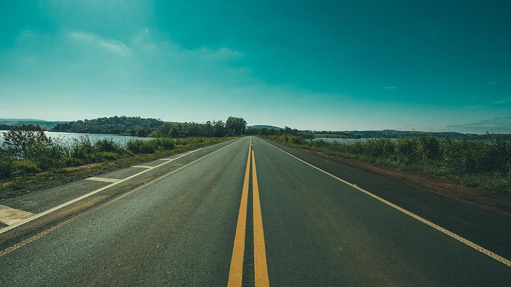 Prática de direção veicular em rodovias