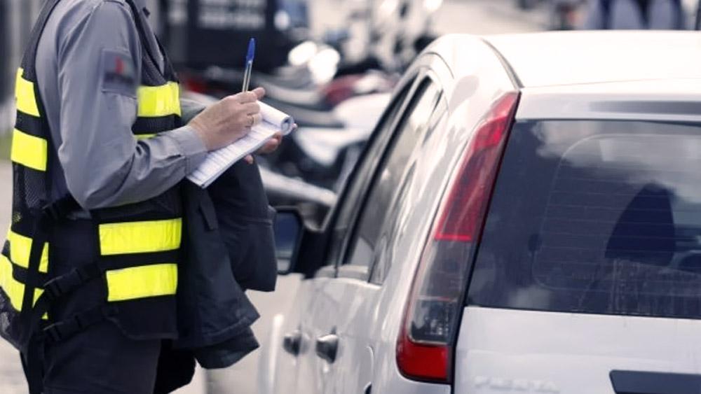 Pagamento parcelado de multas de trânsito