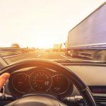 Ultrapassar dois veículos simultaneamente não é permitido – Mito ou Verdade