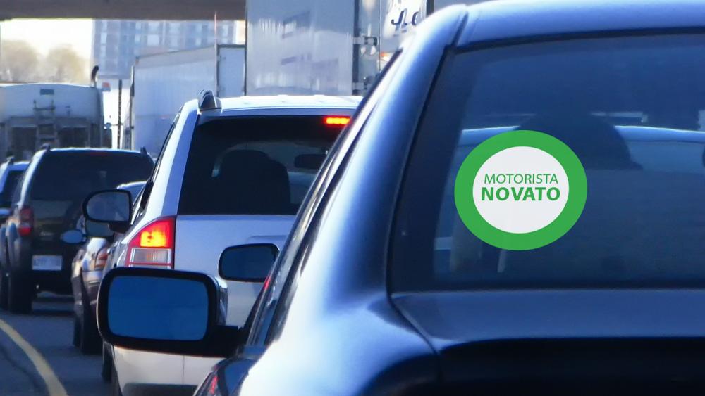 Veículo de Motorista Novato deverá ser Identificado com uma Plaquinha