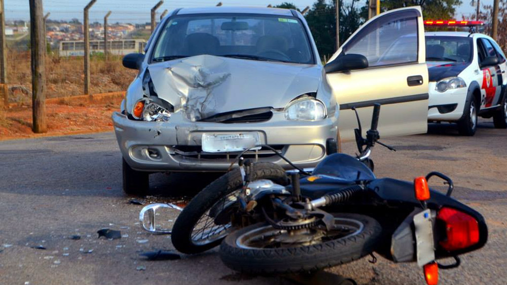 Acidente entre carro e moto é atropelamento - Mito ou Verdade?