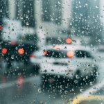 Saiba mais sobre aquaplanagem: riscos e medidas preventivas