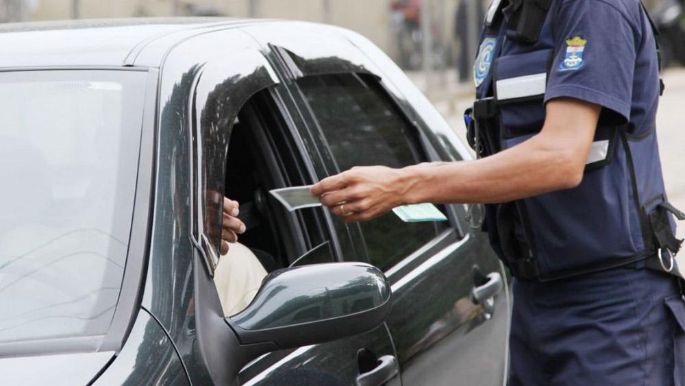 Informações e documentações falsas no trânsito