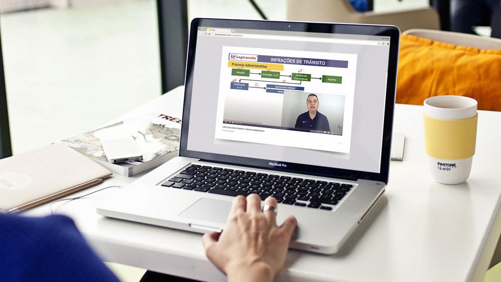 Contran libera aulas online nas autoescolas