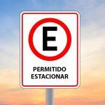 Pode o Município autorizar o estacionamento de veículos junto ao canteiro central?